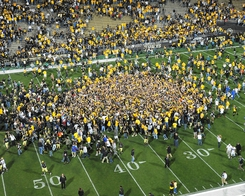university-of-colorado-football-2009-season-fans-storm-field-after-cu-beats-kansas-co-f-2009-00016smd